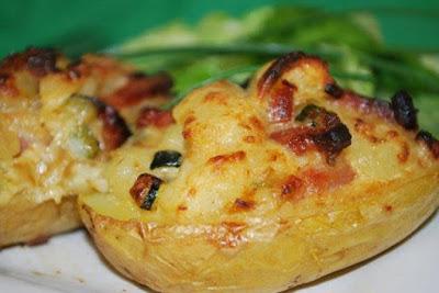 Gevulde aardappel met gehakt