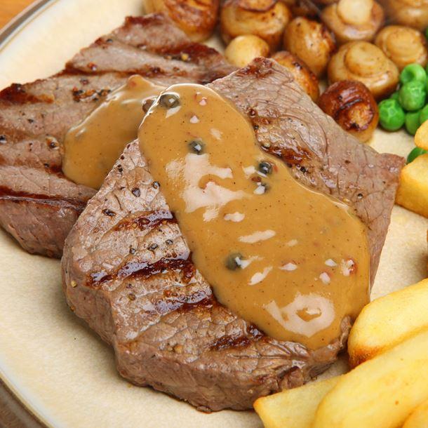 Steak met groene pepersaus