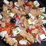 Tomatensalade met tonijn en feta