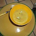 Koude soep van avocado's, komkommer en wortel