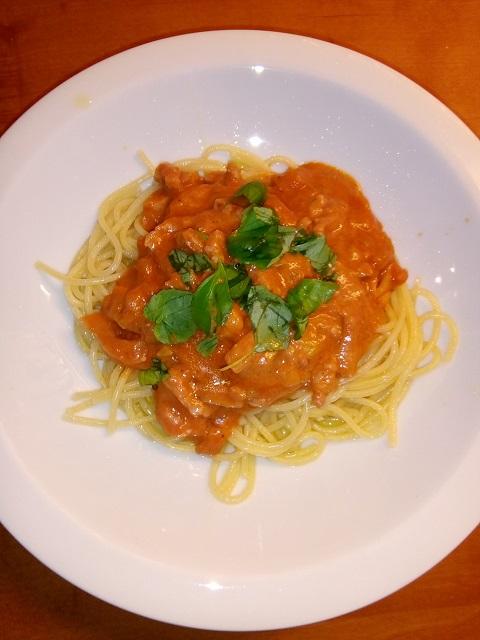 Romige spaghetti all'amatriciana